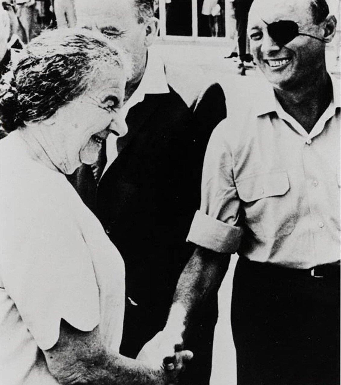 1970.  Голда Меир с министром обороны Моше Даяном