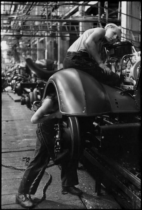 1954. Москва. Завод «ЗИС».Производство грузовиков