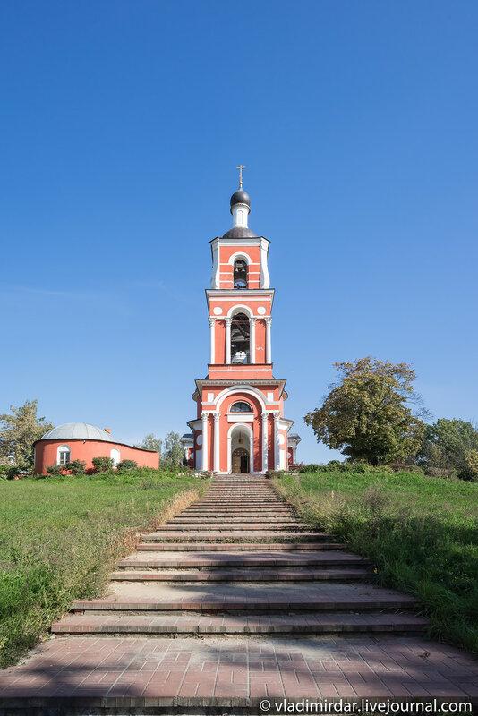 Колокольня Храма Петра и Павла в Петровском