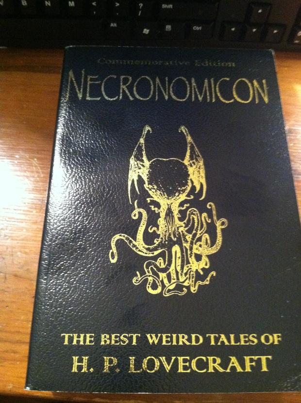 hp-lovecraft-necronomicon-1362032945.JPG