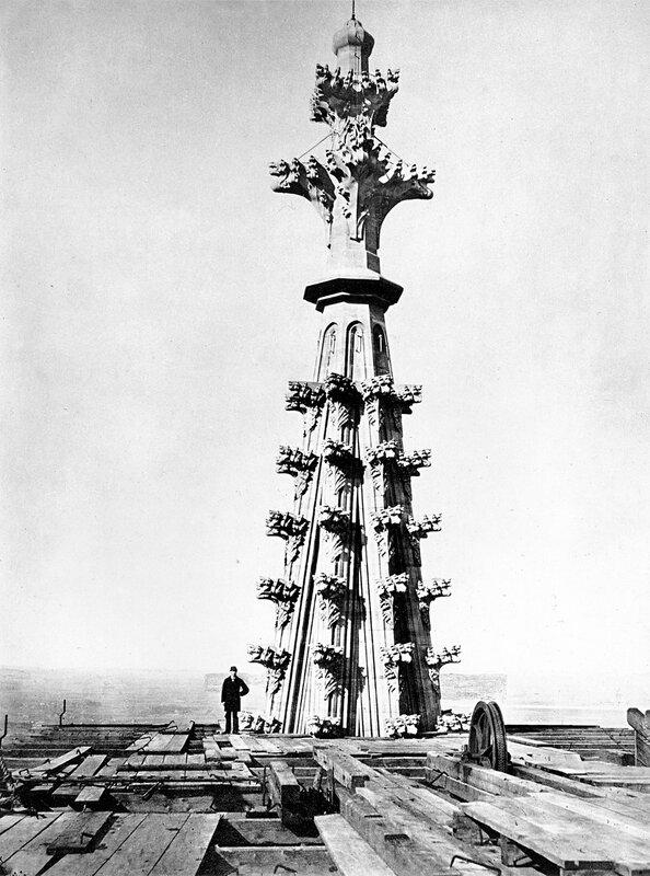 Die Spitze des Nordturmes; Größenvergleich; Aufnahme 1881.