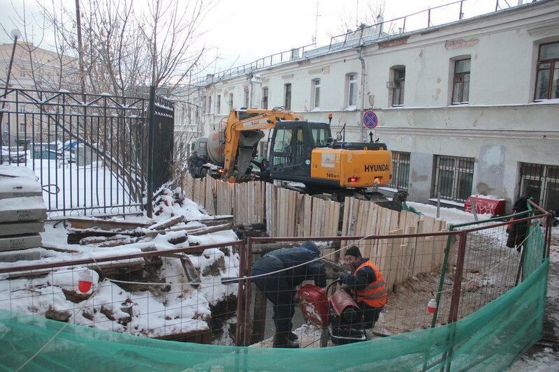 Строительство новой теплосети у дома Ярошенко. Зимние работы. 28.12.2014