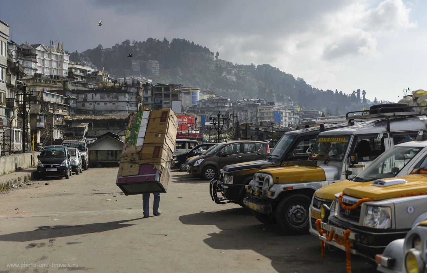 Фотография 27. Сценка в Дарджилинге. Отчет о самостоятельном туре в Индию. 1/2000, 2.8, 250, 50.