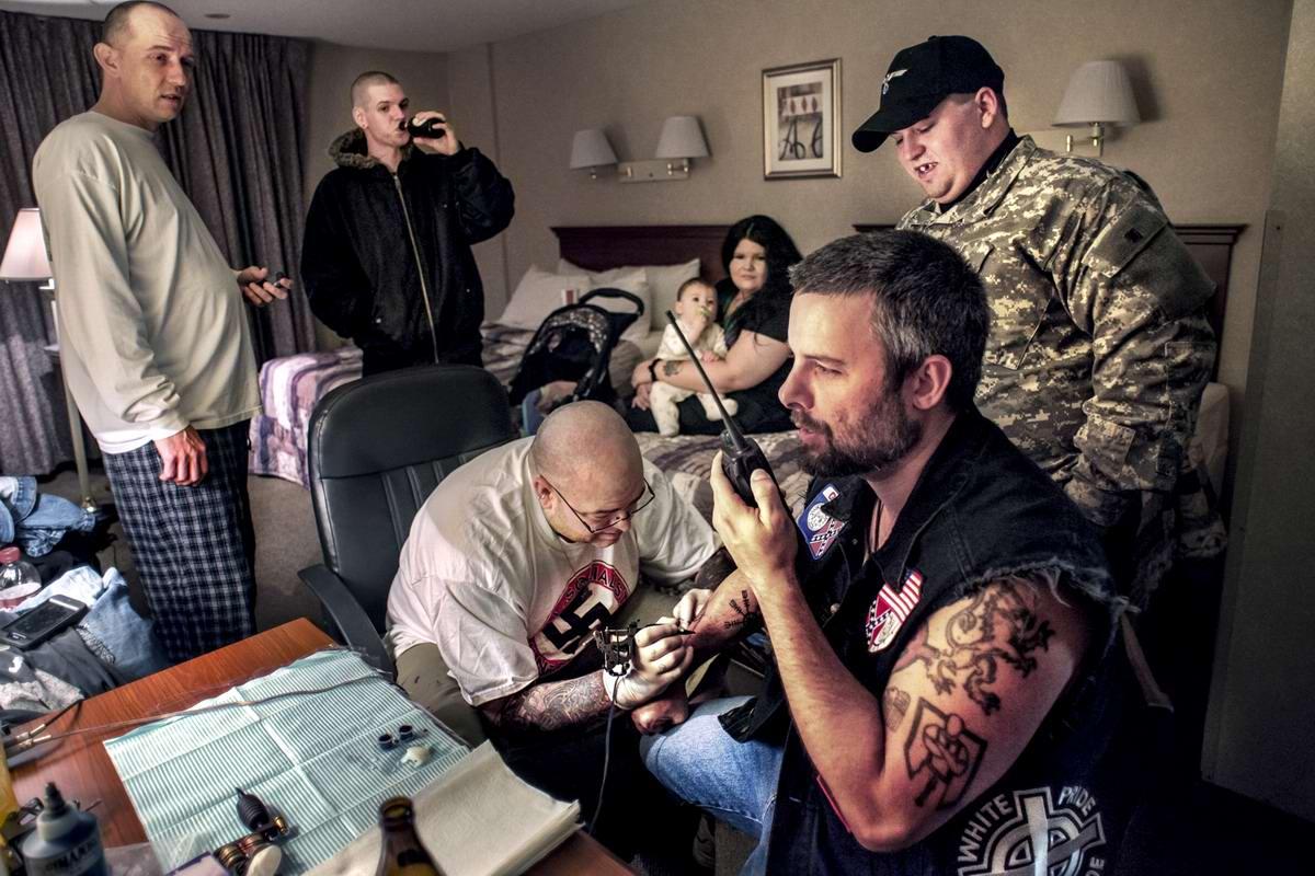 Американский фотограф Johnny Milano: Национал-социалистическое движение США в действии (11)