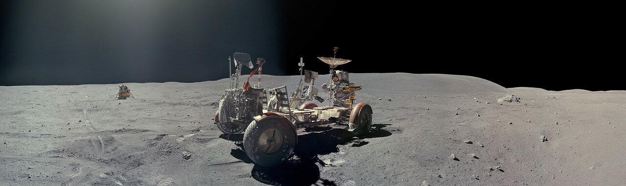 Дьюк поставил на «Лунный Ровер» лунный передатчик информации, устройство управления телевизионной камерой по командам с Земли, саму телекамеру и две антенны. Качество радиосвязи с астронавтами сразу улучшилось