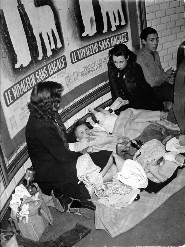 1942. Путешественники без багажа