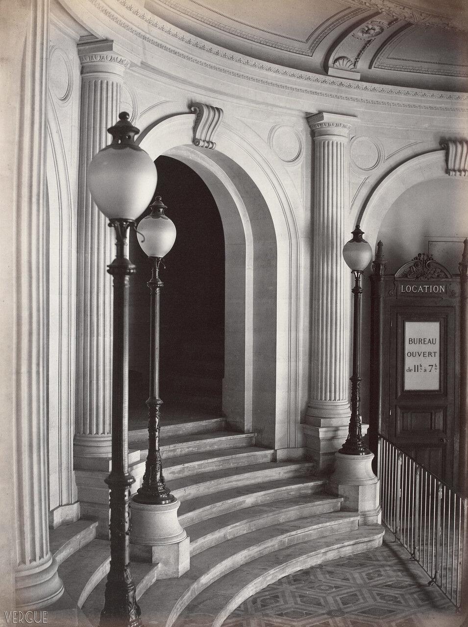 Театр Водевиль. Канделябры. 1869