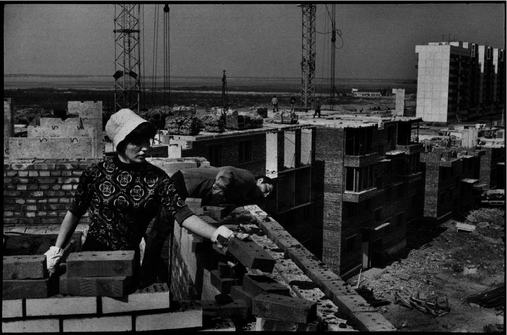 1972. Ленинград. Строительство нового жилья на Васильевском острове