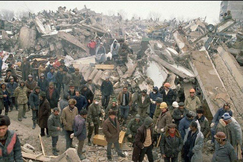 1988. Армения. Руины и выжившие