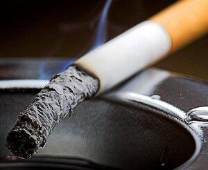 Курение по-разному влияет на мужчин и женщин
