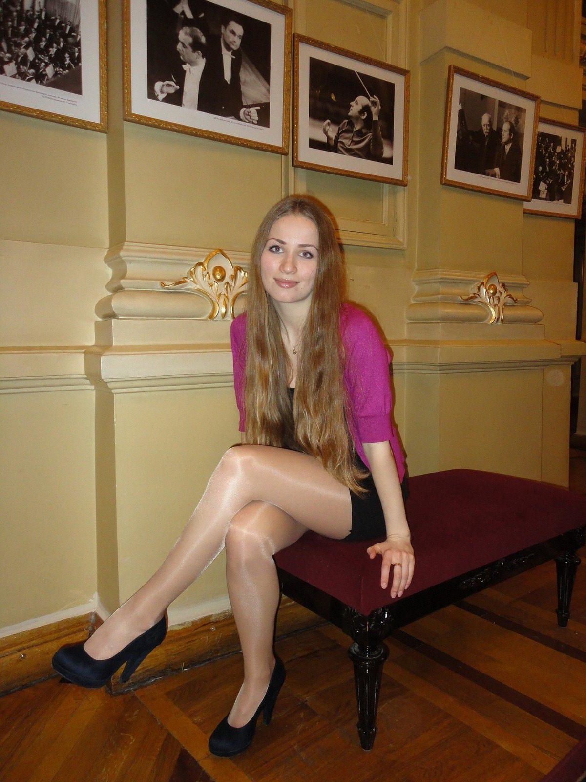 Русские девушки в блестящих колготках фото 483-626