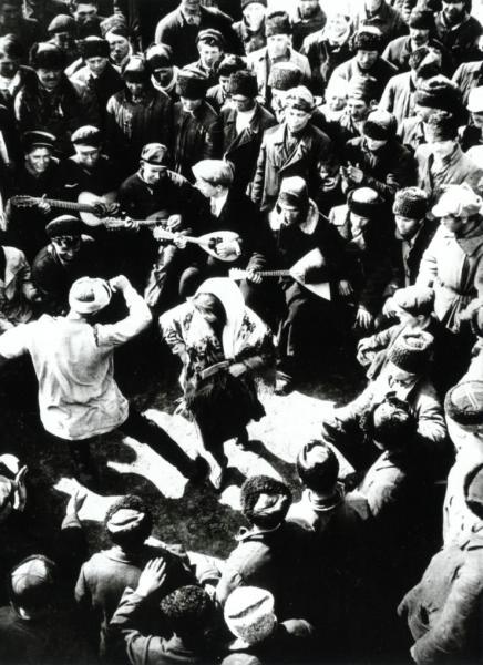 Celebration, photo by Arkady Shishkin, 1928.jpg