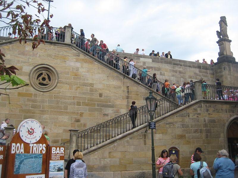 800px-Prague._Charles_bridge's_stairway.JPG