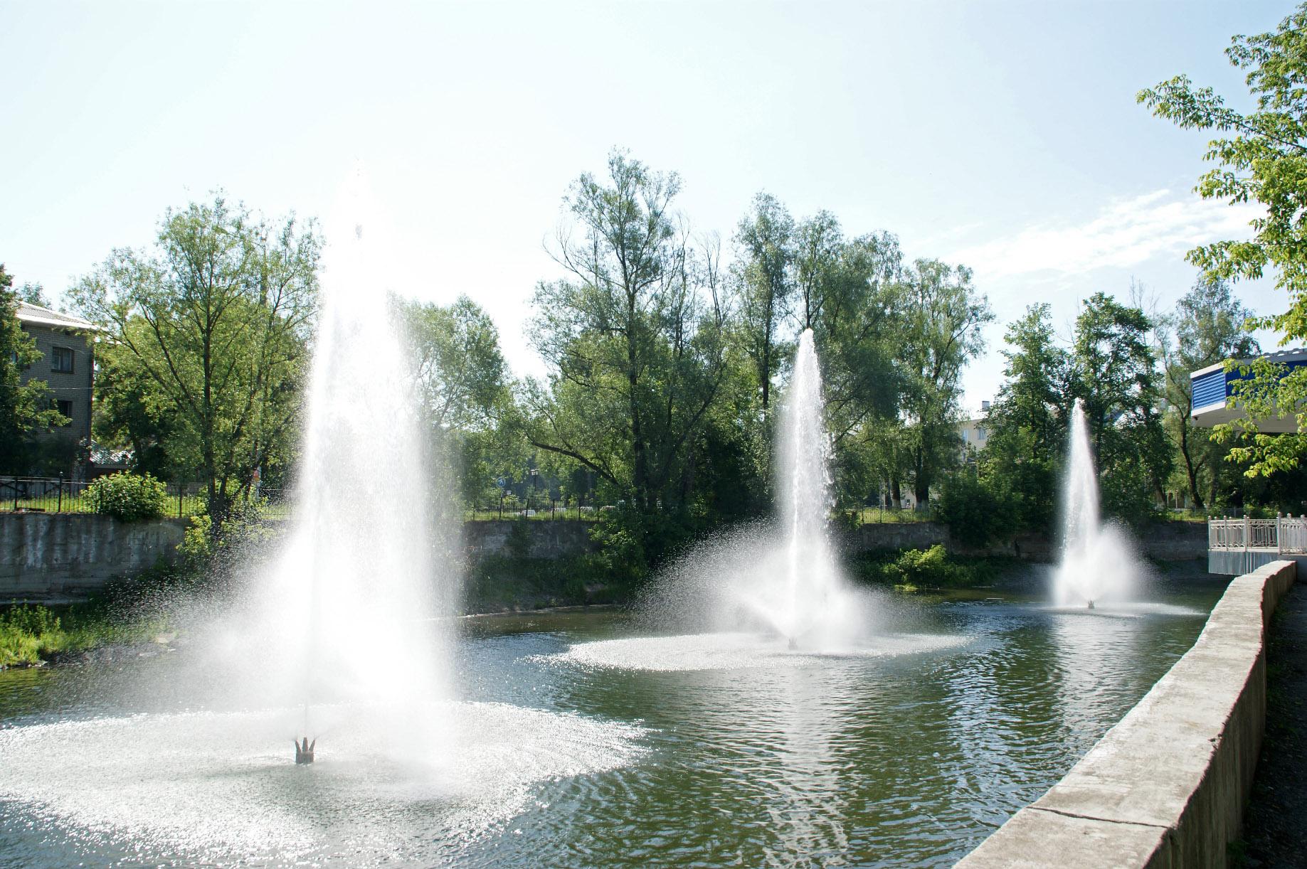 Фонтаны на реке Сим (02.02.2015)