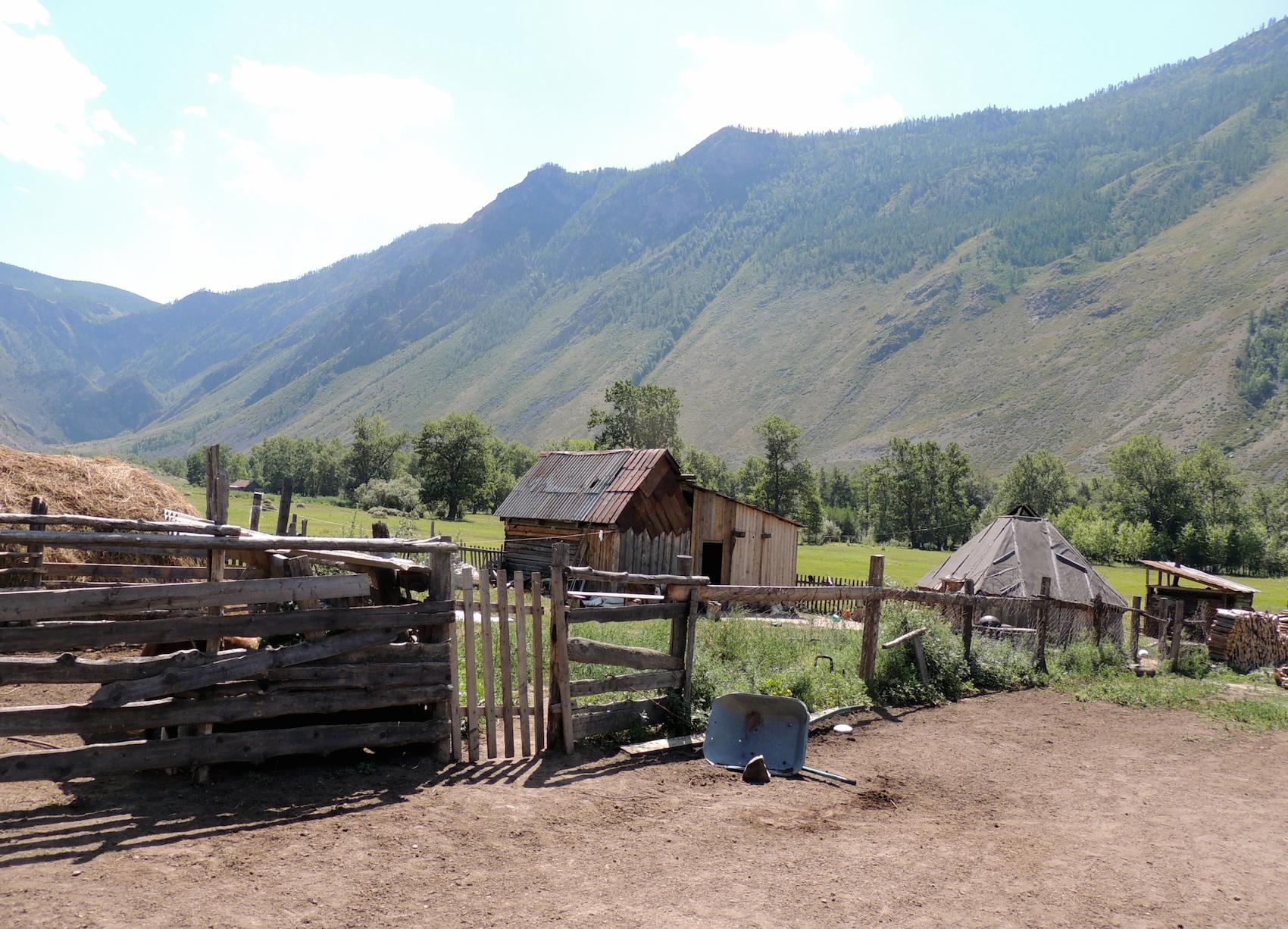 Чулышманская долина Двор алтайских фермеров 05 авг. 2015 г., 12-048.JPG
