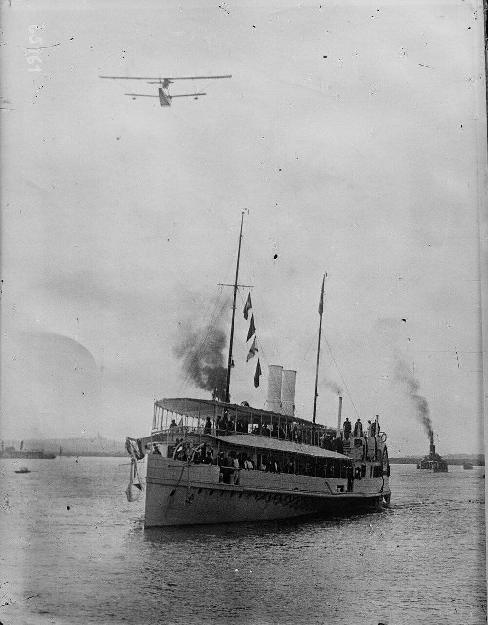 01. Королевская яхта прибывает в Белград (июнь 1922)