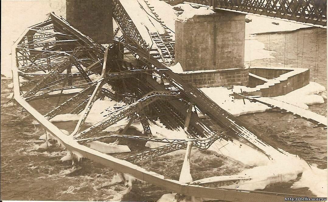 Разрушенные нарвские мосты