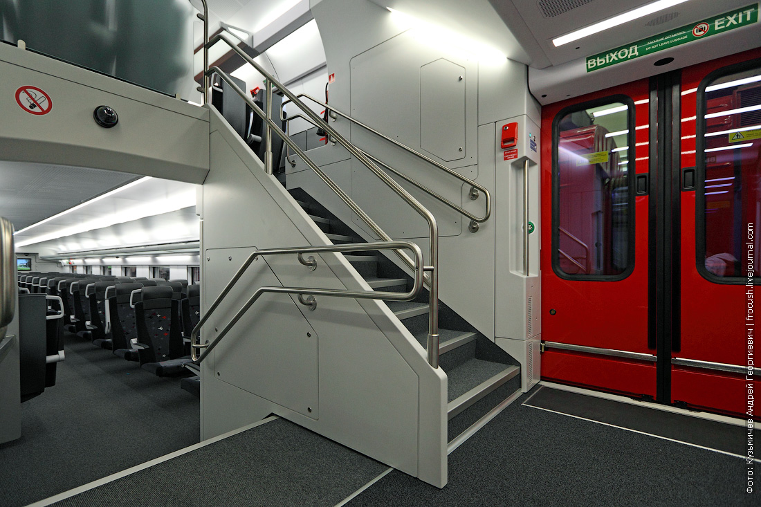 фотографии вагона двухэтажного аэроэкспресса