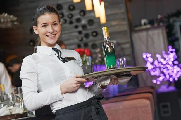 Зачем официанты увольняются