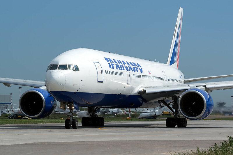 Boeing 777-222 (EI-UNY) Трансаэро D806285
