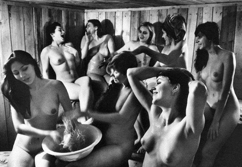 сельские женщины в бане
