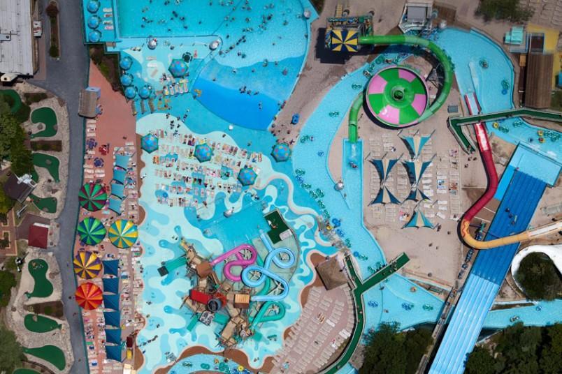 11. Парк развлечений «Веселый Роджер», Оушен-Сити, Мэриленд, США, 2011 г. (Alex MacLean / Beetles+Hu