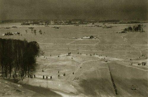 1920. Вид зимней Москвы с Воробьевых гор.
