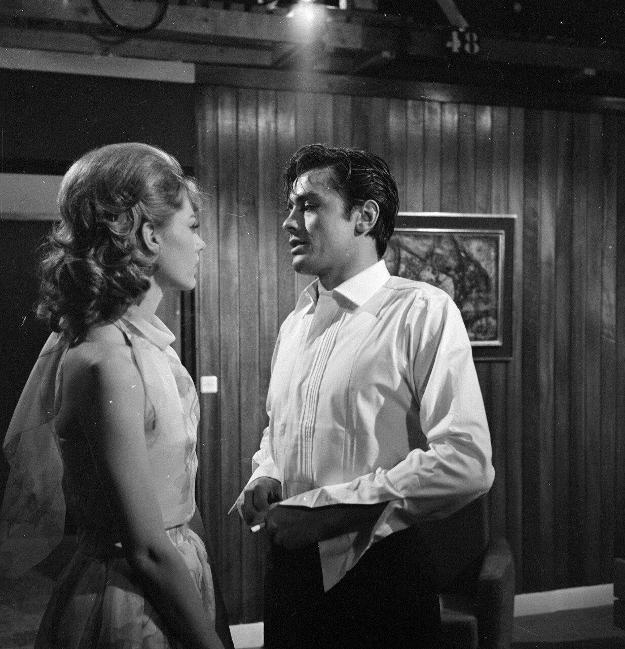 1962. Карла Марлье и Алэн Делон на съемках фильма «Мелодия из подвала»