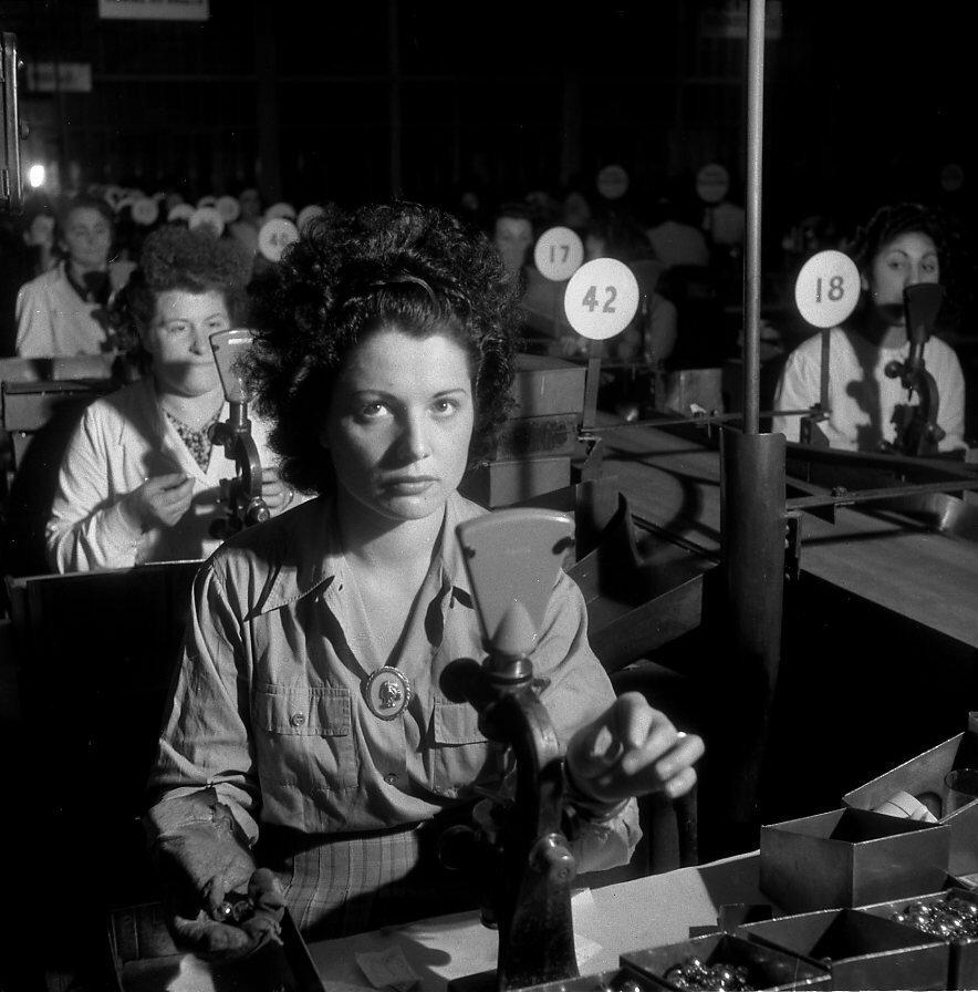 1945. Работницы завода Рено, Булонь-Бийанкур
