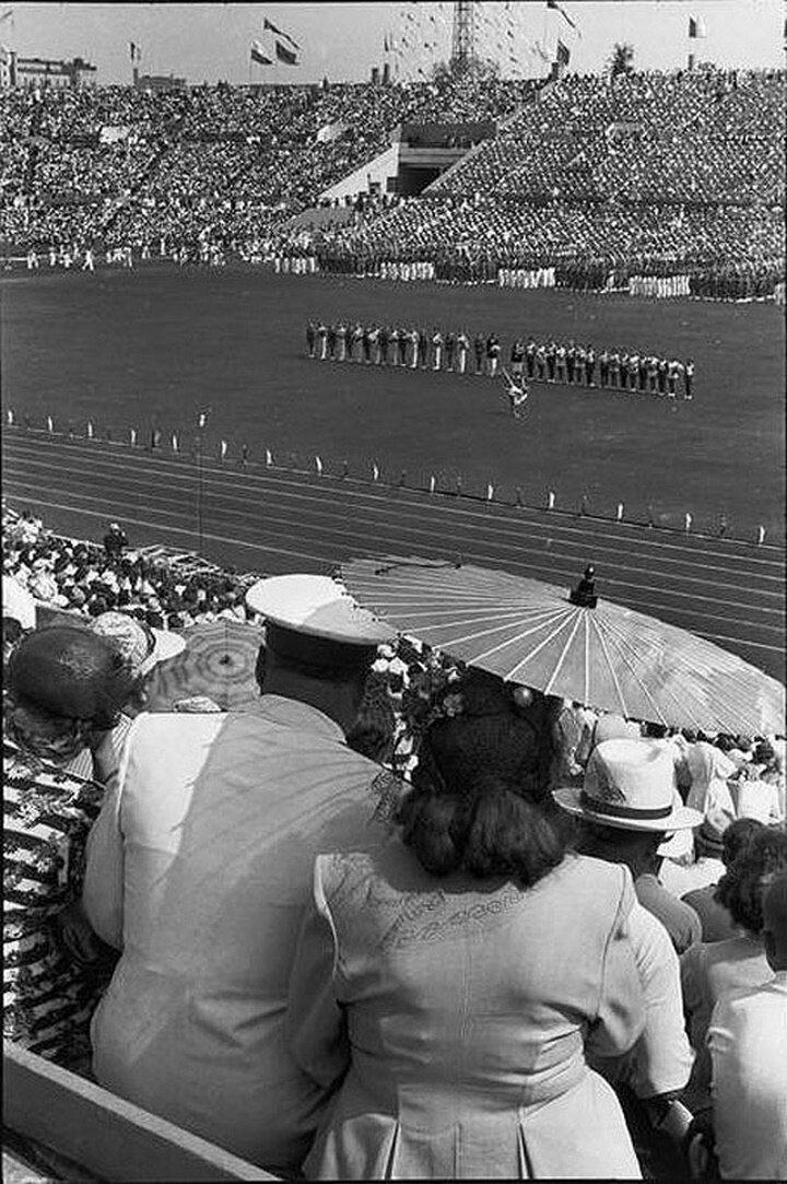 1954. Москва. Спортивный фестиваль на стадионе «Динамо»