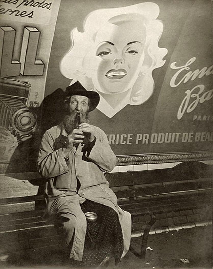 1938. Нищий в метро