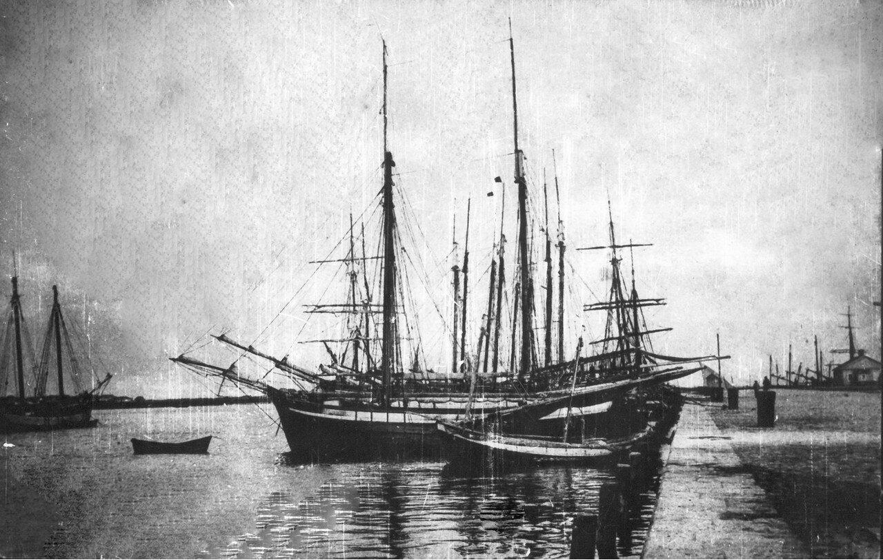 Пристань в устье реки Кальтиус. 1908