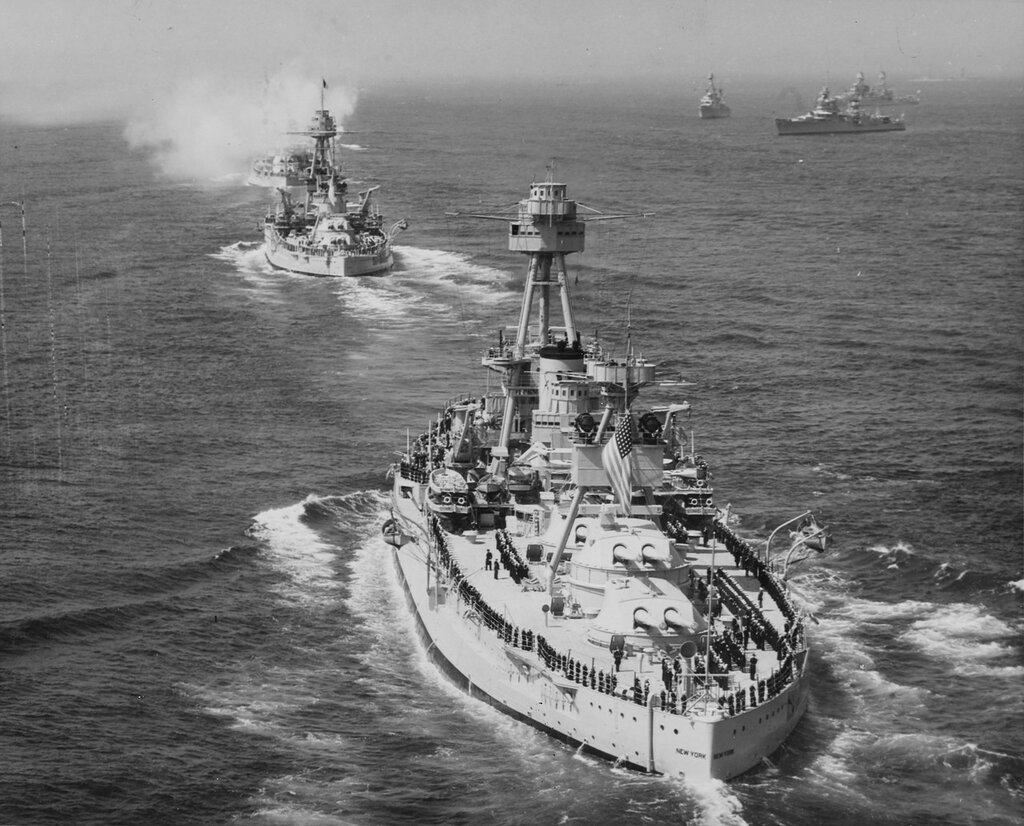 USS NEW YORK (BB-34) Leading fleet formation for fleet review at New York on 31 May 1934