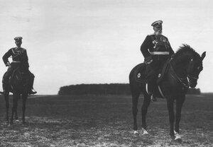 Генералы на параде в честь приезда итальянского короля Виктора Эммануила III.