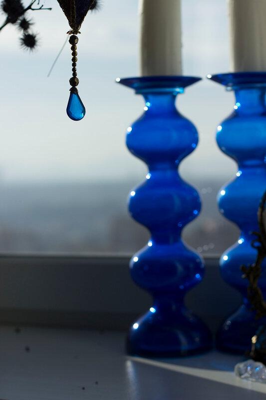 синие подсвечники