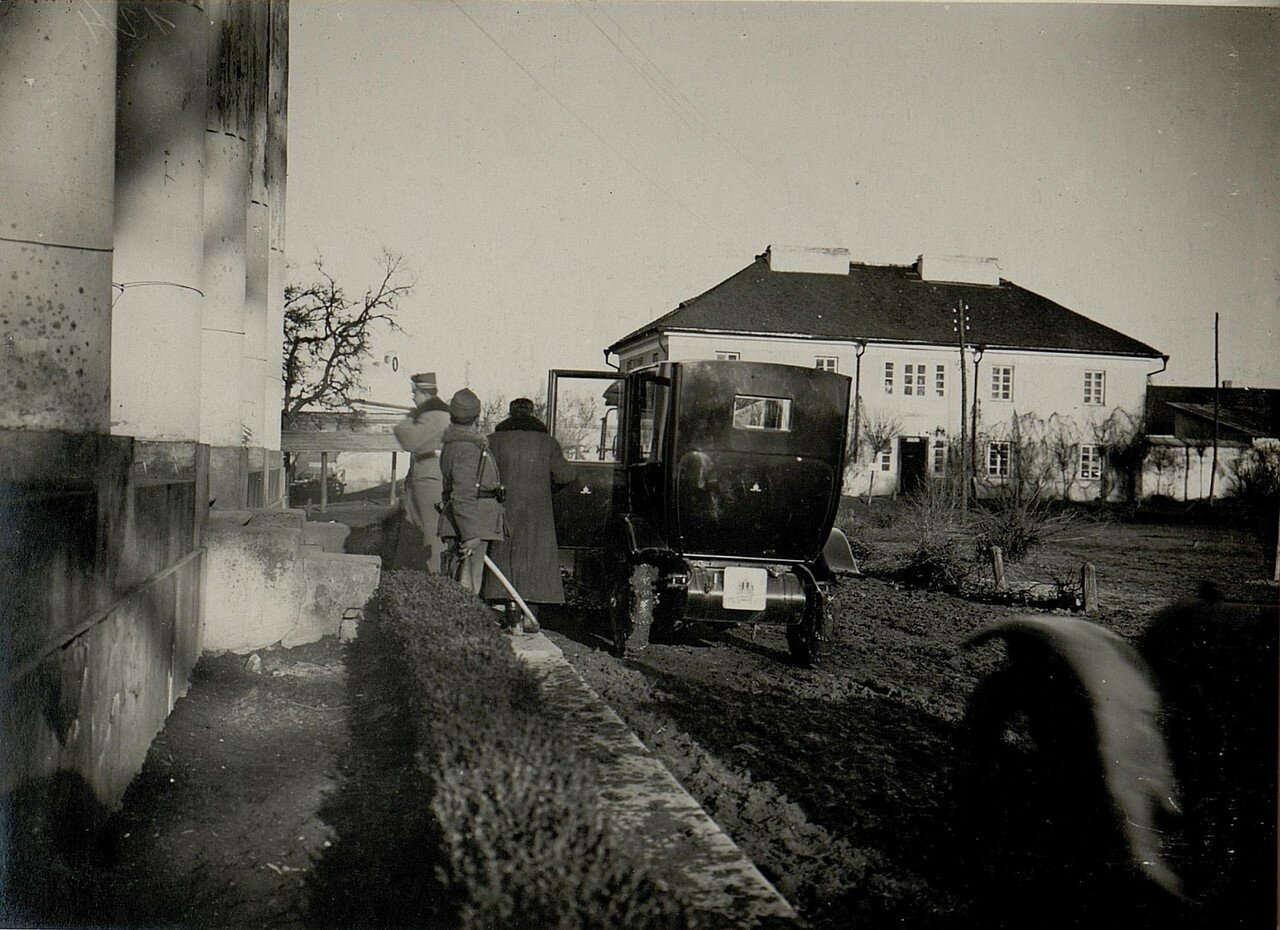Острожец. Эрцгерцог Карл прибыл в расположение 9 корпуса 2 февраля 1916