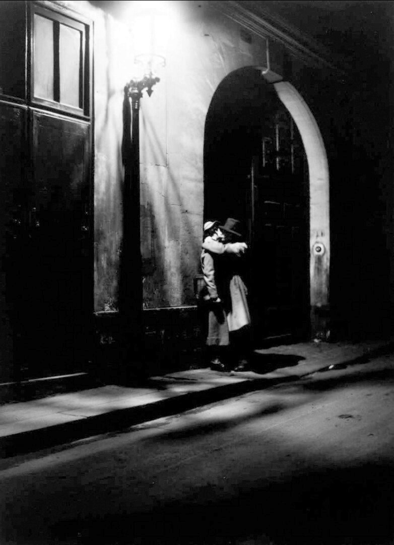 1934. Огни Парижа