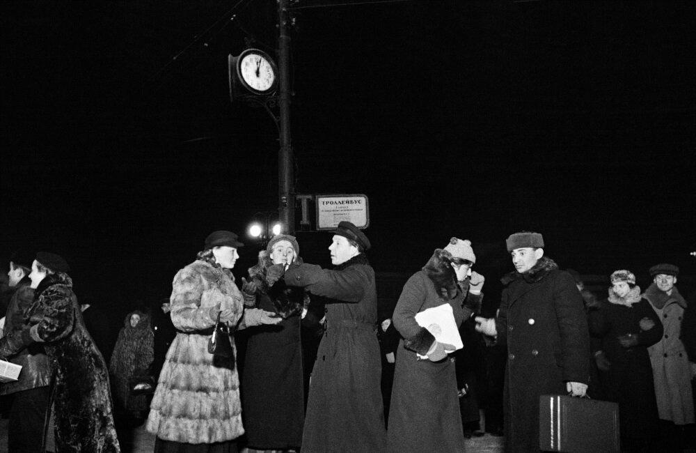 1939. Москвичи готовятся к встрече Нового года