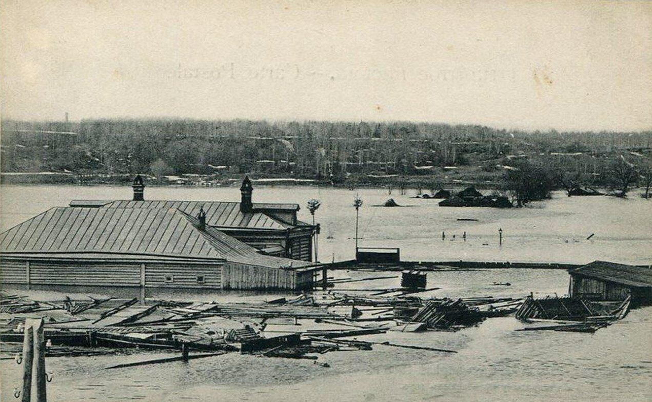 Окрестности Москвы. Воробьевы горы.  Вид на огороды во время наводнения 1908 года