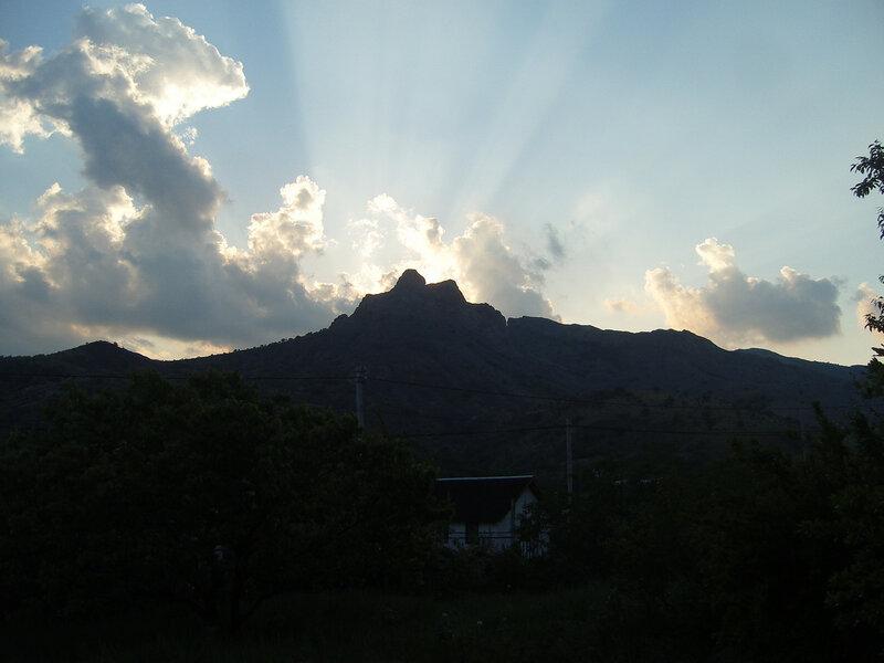солнце за скалой Свидание в Зеленогорье