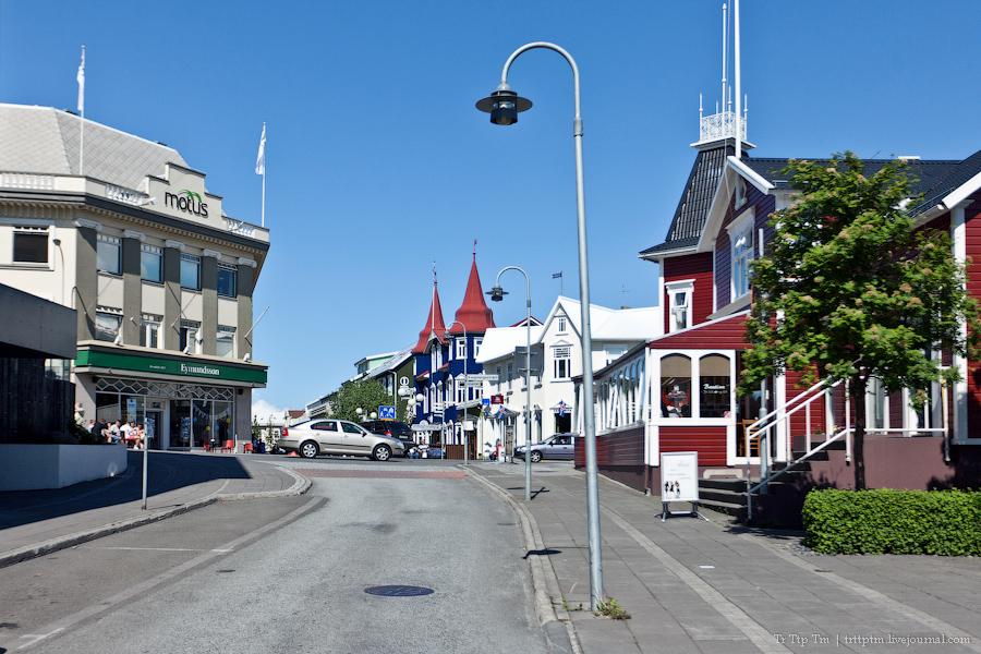 12. Дороги Нордюрланда и киты залива Скъяльфанди.
