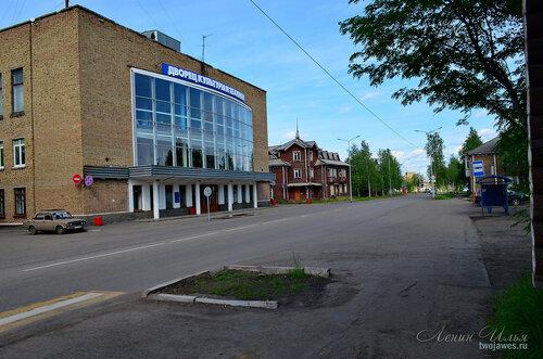 Фото города Инта №7804  Киров 14 (ЦДКиТ), 12 и 5 21.06.2015_14:13