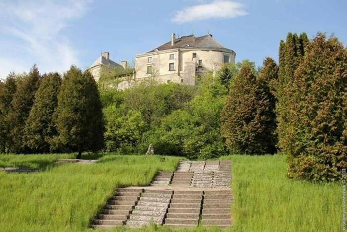 Топ 10 замків України