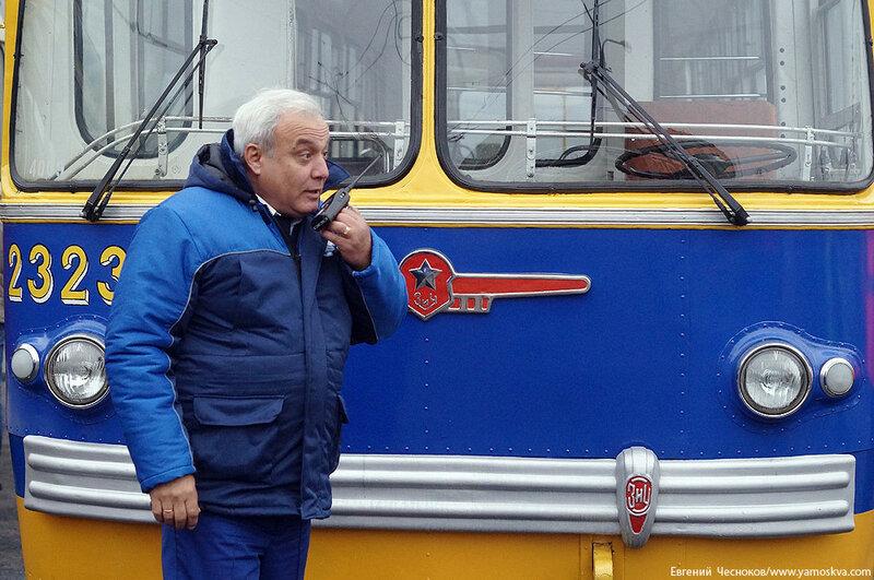 Осень. Парад троллейбусов. 24.10.15.04..jpg