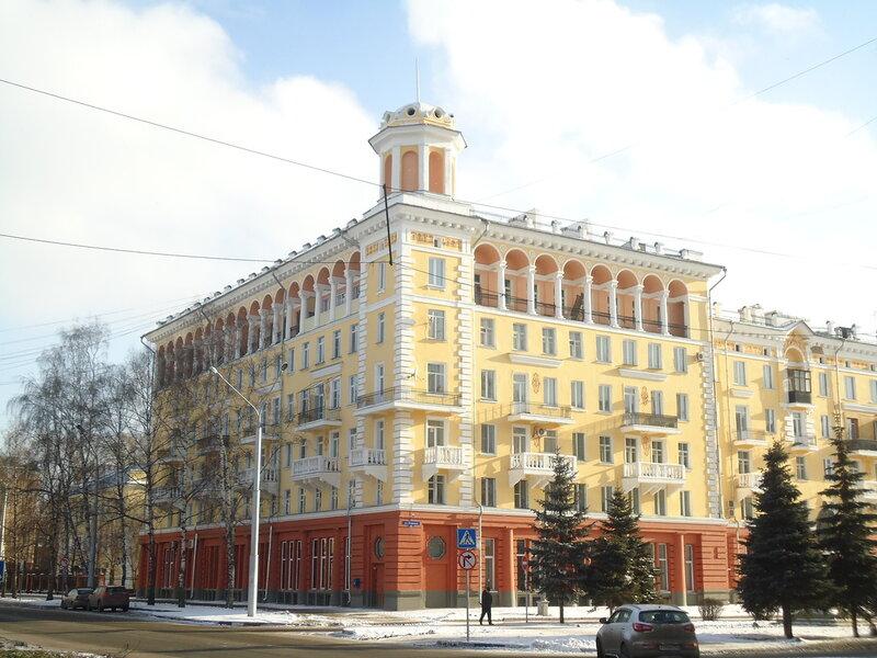 г. Новокузнецк. Дом Кирова, 12