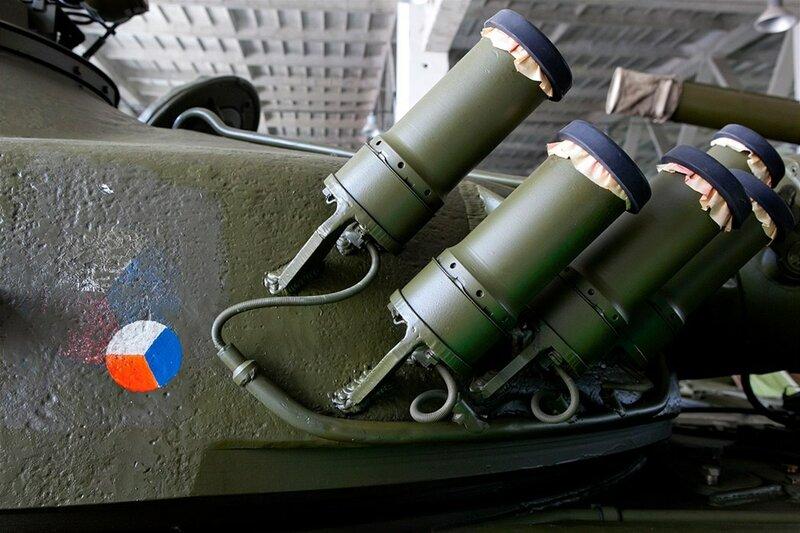 Posбdka v Ratнљkovicнvh na Jihlavsku skladuje nмkolik desнtek tankщ T-72, kterй