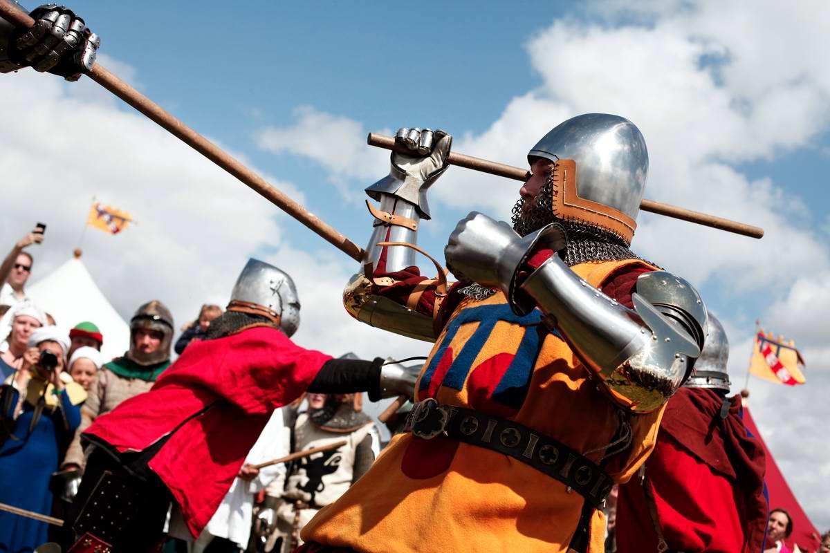 Эпизоды Столетней войны: Реконструкция битвы при Азенкуре в Северной Франции (6)