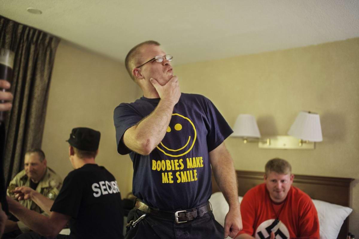 Американский фотограф Johnny Milano: Национал-социалистическое движение США в действии (9)