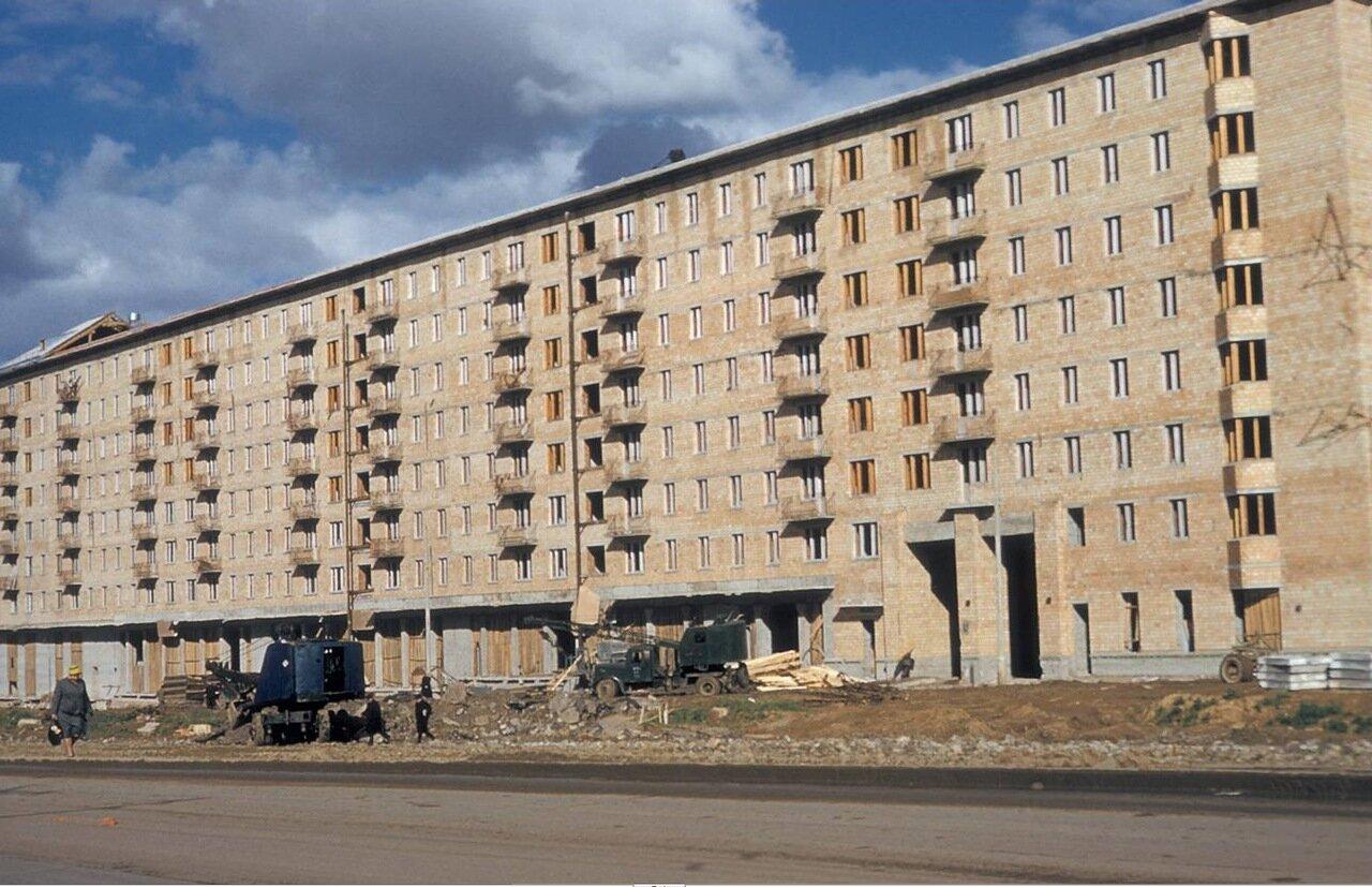 Строится дом № 59 по Ленинскому проспекту