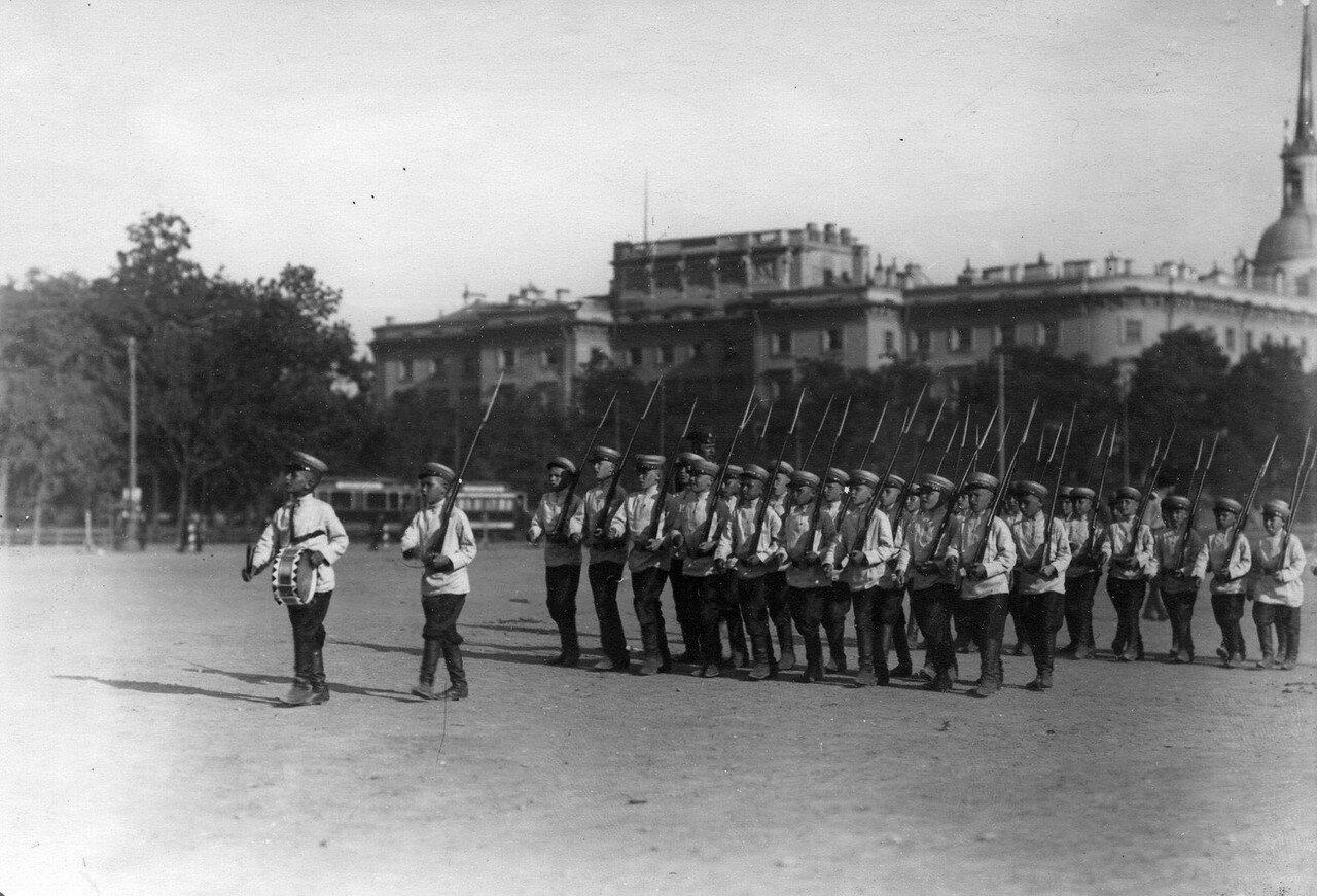 50. Отряд потешных - пехотинцев на марш - параде во время смотра